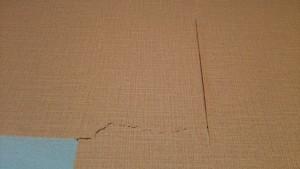 壁紙の破れ